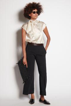 Pantaloni neri con risvolto