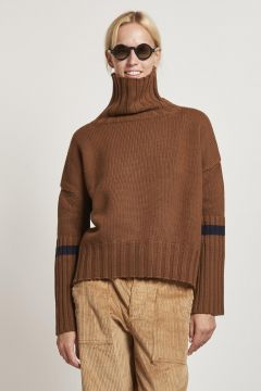 burnt turtleneck with blue edge