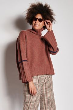 Melange burnt cashmere turtleneck with band on the arm