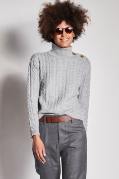 Gray cashmere turtleneck with braids
