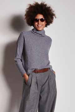 Gray ribbed over cashmere sweater