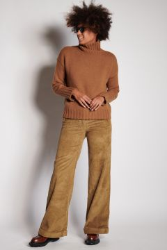 Beige velvet trousers with turn-up