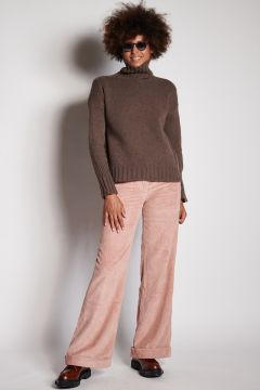 Antique pink velvet trousers with turn-up
