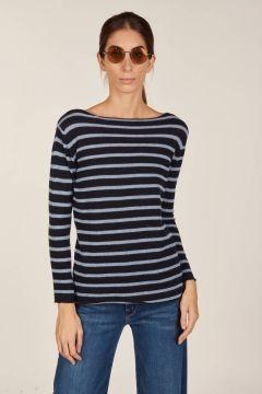 Crew neck striped boat neckline