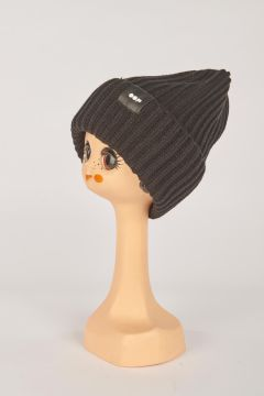 Black ribbed hat