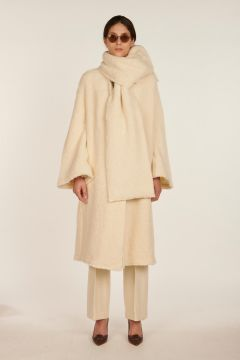 Clio white boucè coat