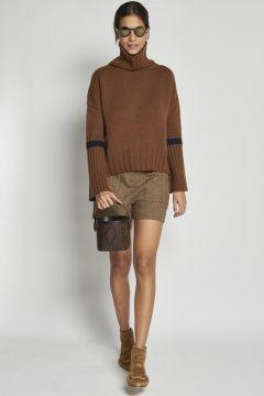 beige herringbone shorts