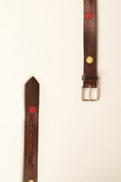 Belt with embroidered colored flowers