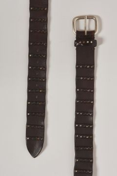 belt in dark brown leather bands in metal bands