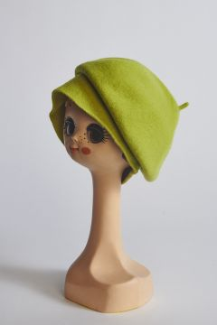 Lime beret in wool