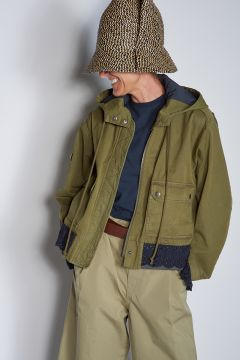 Military green bomber jacket with sangallo details
