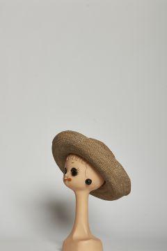 Cappello tinta thè nero in raffia, stile safari