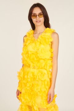 Fluo yellow top with applied flowers