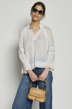 White cotton shirt with lace details