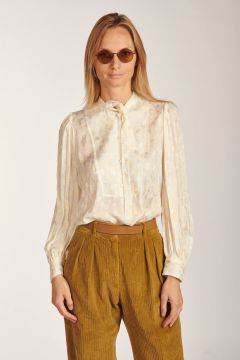 Aila shirt with white scarf