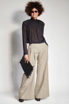 Taupe trousers with pleats